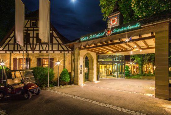 Wald und Schlosshotel Friedrichsruhe - Hoteleingang